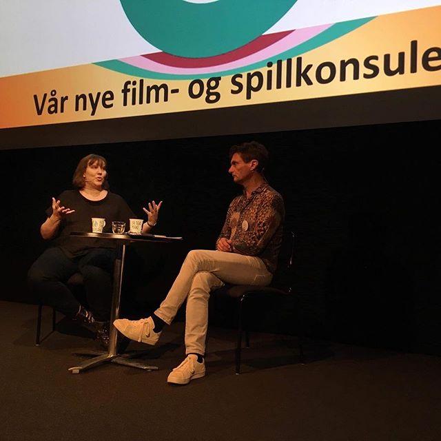Vår fremtidige film-og spillkonsulent Cecilie Stranger-Thorsen er siste dame på podiet på årets bransjedøgn. Vel hjem alle mann 😊