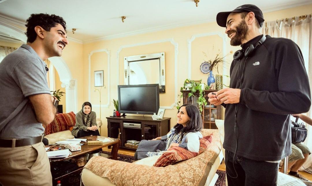 16 søknader er nå innvilget stipender på til sammen 788 000 NOK. Filmsenteret mottok hele 103 søknader forut for denne tildelingsrunden. – Vi er stolte av å tildele fordypningsstipend for femte gang. Søknadsmengden er jevn og stor, noe som bekrefter behovet for et stipend i tidlig og sårbar fase av et prosjekt og kunstnerskap, forteller Gunhild Enger fra filmsenterets styre.  Kaveh Tehrani er en av de som har mottatt fordypningsstipend i denne tildelingsrunden. På nettsidene våre kan du lese mer om hvordan stipendet skal brukes og se hvem andre som har mottatt stipend i denne tildelingsrunden. (link i bio) (Foto: fra innspillingen av kortfilmen «The Manchador») #fordypningsstipend #stipend #vikenfilmsenter #themanchador #kunstnerskap #prosjektutvikling #kortfilm #dokumentar